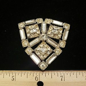 Jewelry - Scarf or coat clip